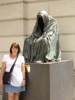 Anna in Prague with sculpture
