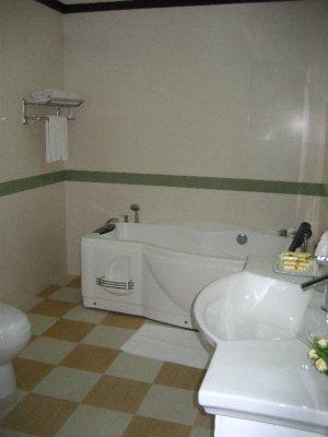 Upgraded Suite - Bathroom