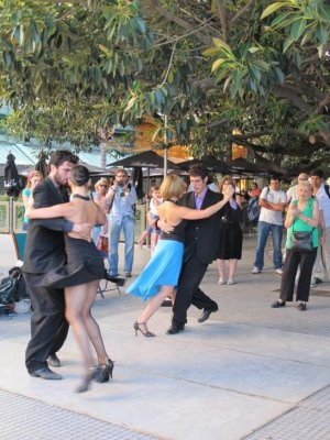 Tango in the streets of Recoleta