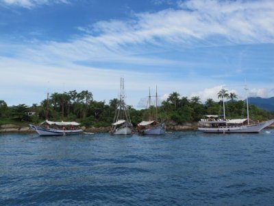 A beautiful day out on a Parati boat trip