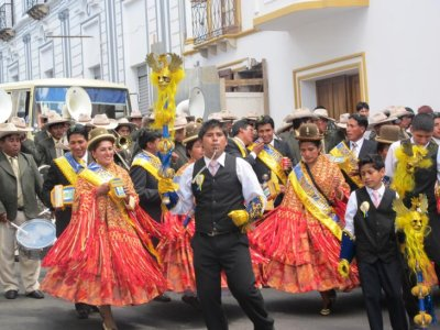 Sucre festival dancers