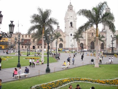 City square, Lima