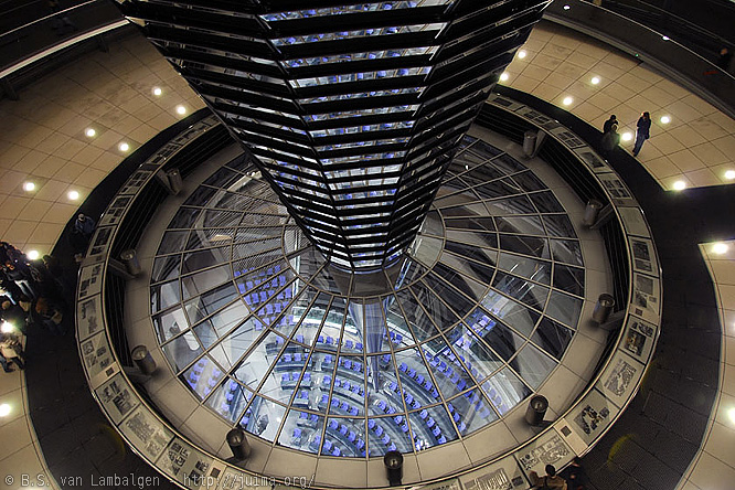 Reichstag: Looking down on the main hall of the parliament