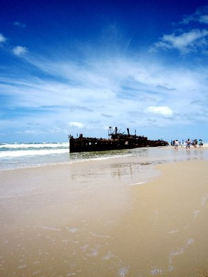 Maheno shipwreck, once a luxury cruiseship now a photo opportunity