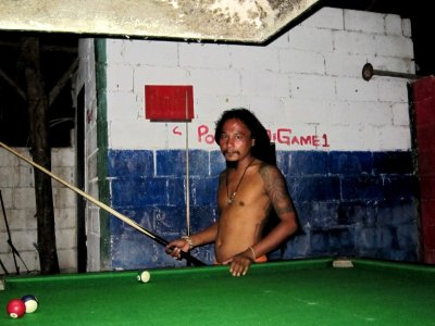Playing pool with Sun