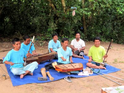 Pre Rup buskers