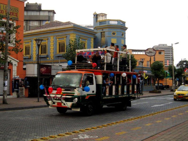 Party van! Viva Quito