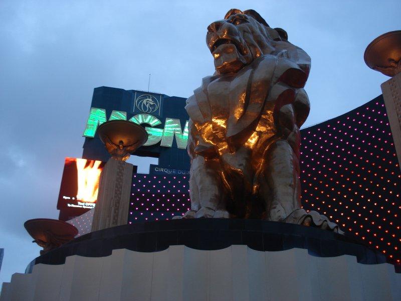 MGM Grand lion statue