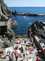 Sunbathing crowds