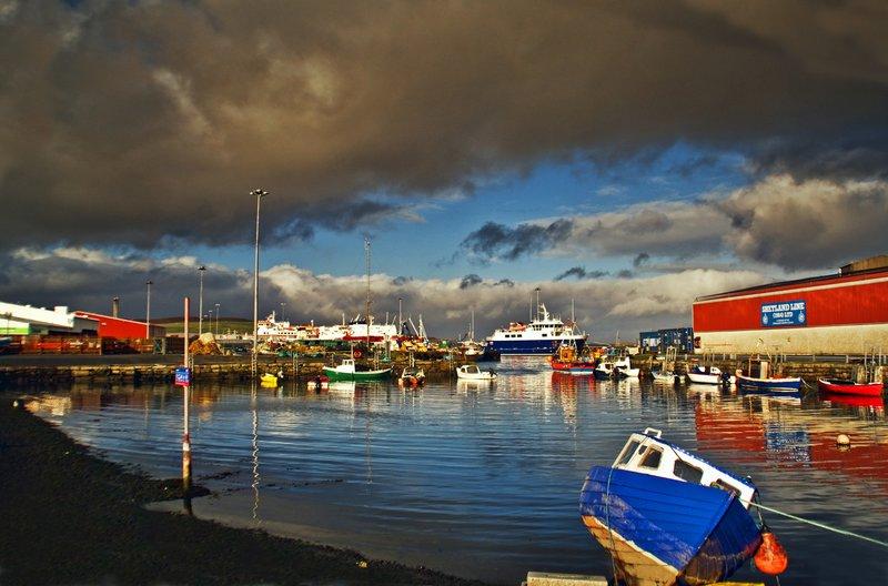 large_shetland_habour.jpg