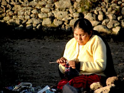 WOMAN KNITS on Taquile Island