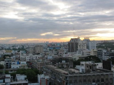Overlooking_Hyderabad.jpg