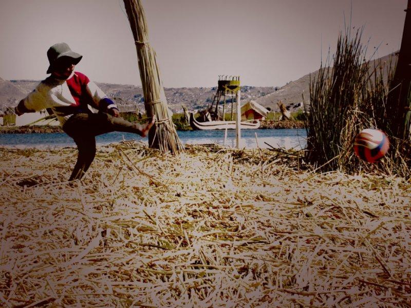 BOY Plays on Reed Island
