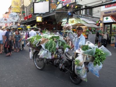 Khao-san-veg-seller