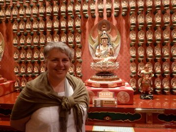 With my thousand buddhas