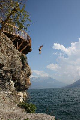 Henrik jumping from a 10 meters rock in San Marcos Atitlán