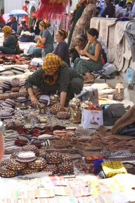 Tolkuchka Bazaar