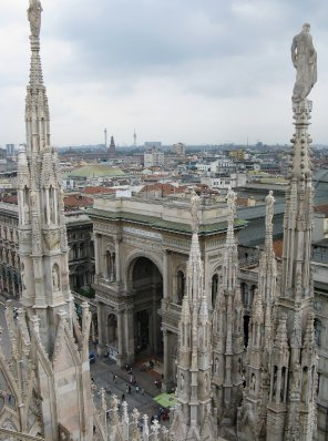 Duomo view toward Galleria Vittorio Emanuale II
