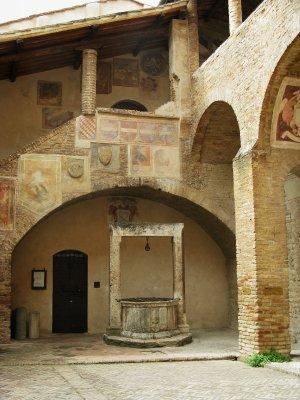 Courtyard - Palazzo del Popolo