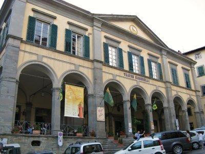 "Teatro Signorelli (""ladybugs, Catherine...lots and lots of ladybugs"")"