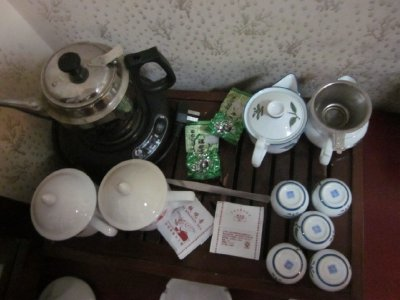 I wish American hotels included tea sets.