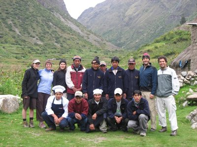 INC_D2 - The entire group, porters and all