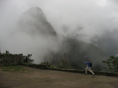 INC_D4 - Joanna in awe of Wayna Picchu
