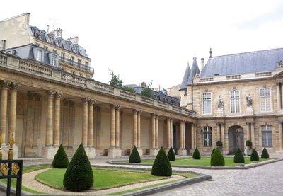2014_Paris_Arch_04.jpg