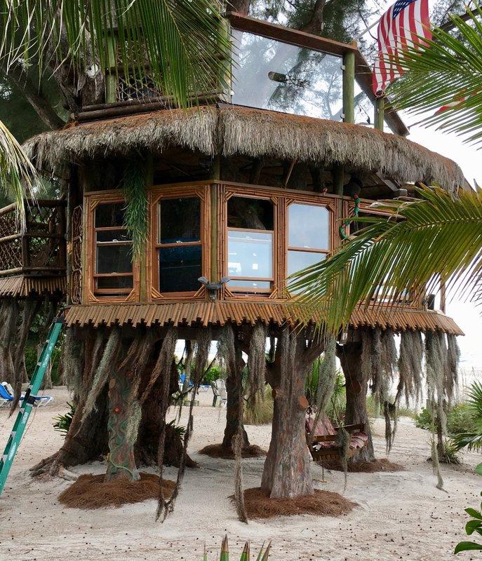large_2015_AMI_TreeHouse_-_1.jpg