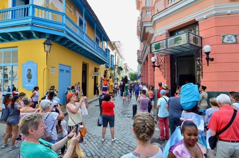 large_2017_Havana_LaLuz__-_10.jpg