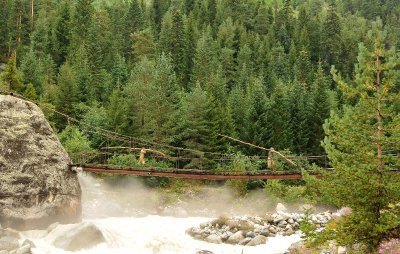 Bridge to the glacier