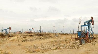 Oil_Fields_of_Baku.jpg