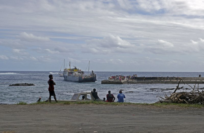 Ship docking Lenkel