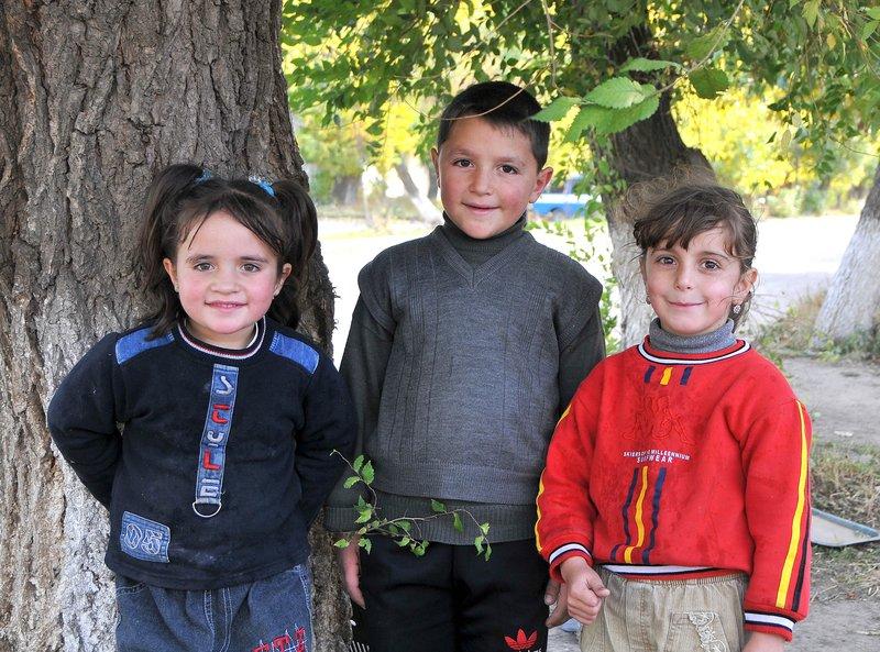Sisian kids