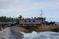 boat arrives 2
