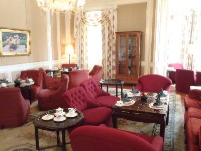 High Tea interior