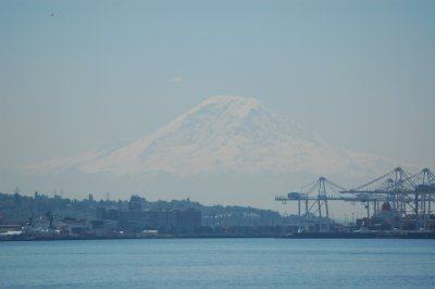 They say you only see Mt Rainer once in every 10 days!!  We lucked out!!!!