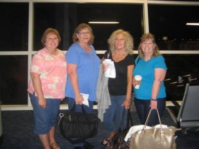 Me, Georgia, Jill and Sharon at DFW at 6am!  Looks like we got up at 330am doesn't it!