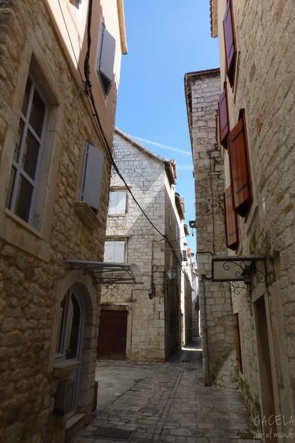 Calle en Trogir, Croacia