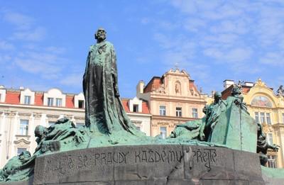 Prague_Praha_2014_Holmstad_flott_Jan_Hus_monument_bytorget_Stare_mesto.jpg