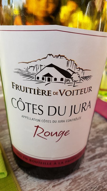 Locally produced wine, Voiteur