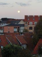 Full moon over Aarhus - early morning