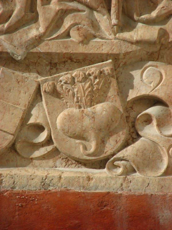 Sculpture turnip detail