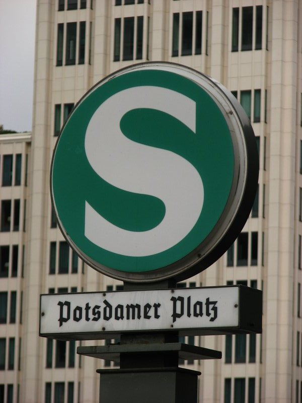 Potsdamer Platz S-Bahn station sign