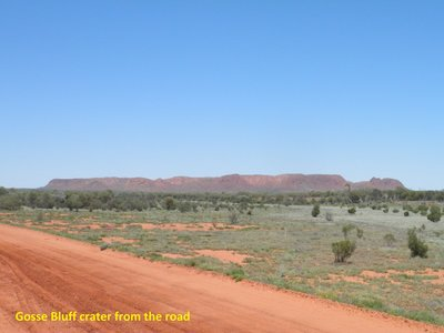 The road to Gosse Bluff crater