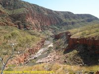 E__Ormiston_Gorge_3.jpg