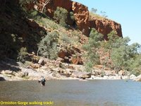 E__Ormiston_Gorge_8f.jpg