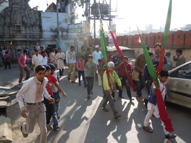 large_Muslim_fes.._parade.jpg