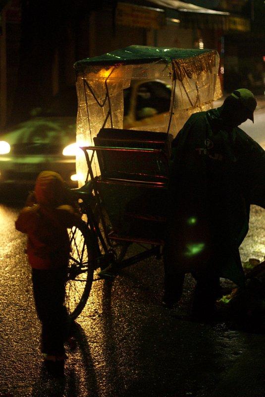 Hanoi taxi at night