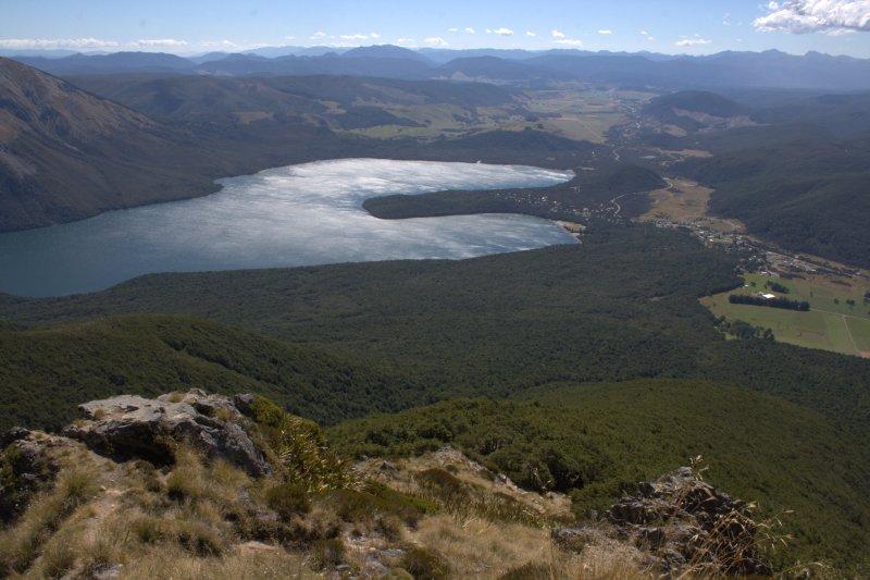 Lake Rotoiti from St. Arnaud Range Track